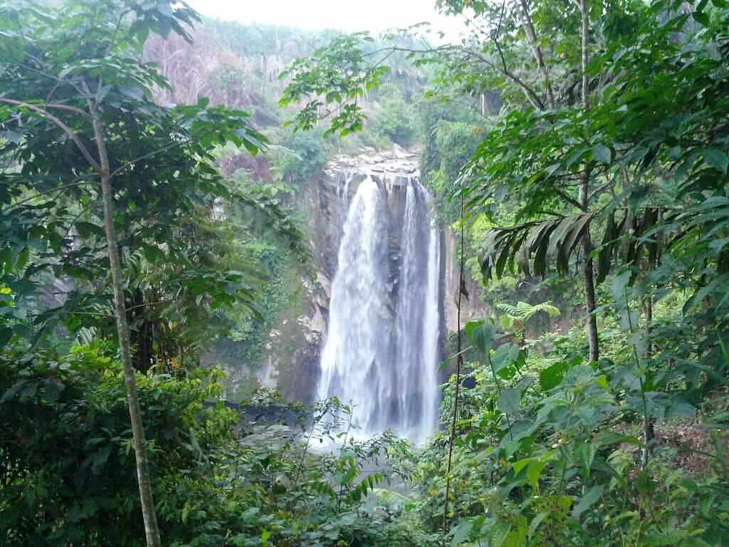 Air Terjun Hatonduhan di Simalungun