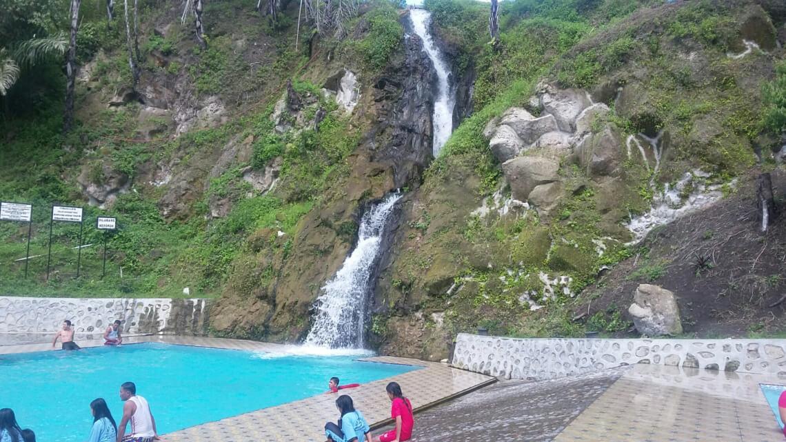 Air Terjun Bukit Gibeon di Toba Samosir