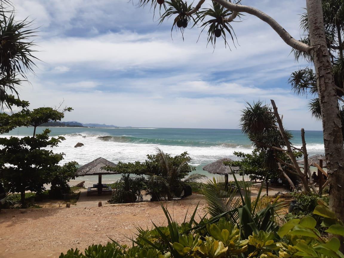 Pantai Momong Lampuuk - View Dari Resort